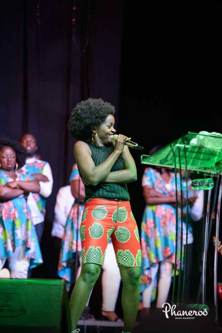 Phaneroo 4th Anniversary (117)
