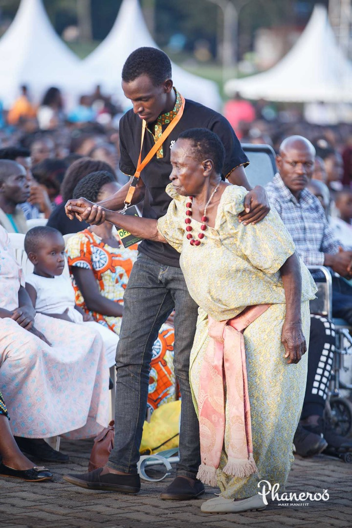 Phaneroo 4th Anniversary (41)